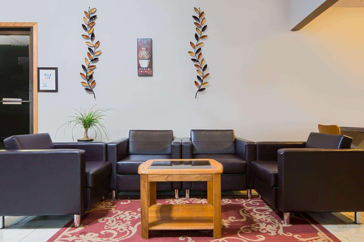 Lobby - Super 8 Hotel Pella