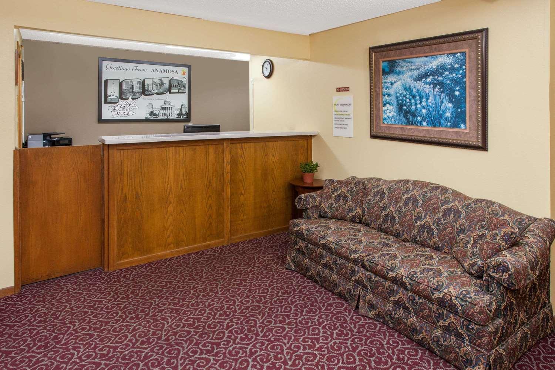 Lobby - Super 8 Hotel Anamosa
