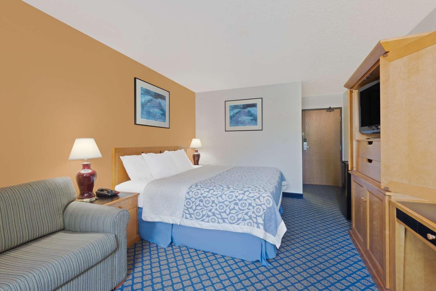 Room - Days Inn Brunswick