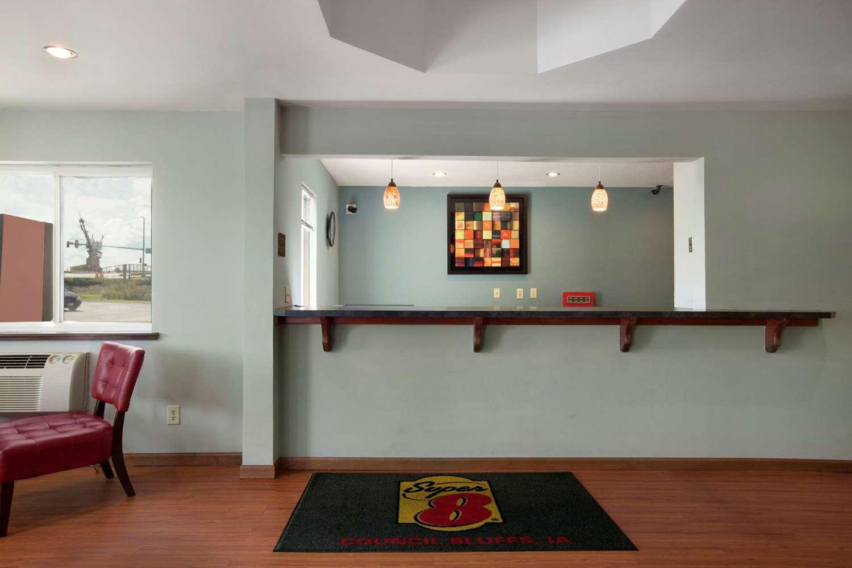Lobby - Super 8 Hotel Council Bluffs