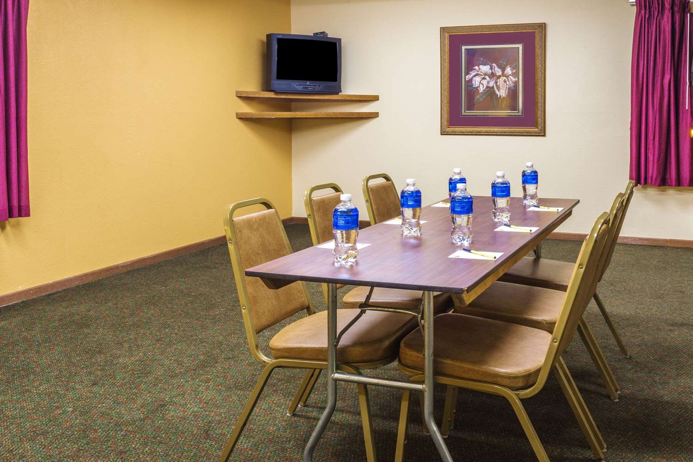 Meeting Facilities - Super 8 Hotel Watertown