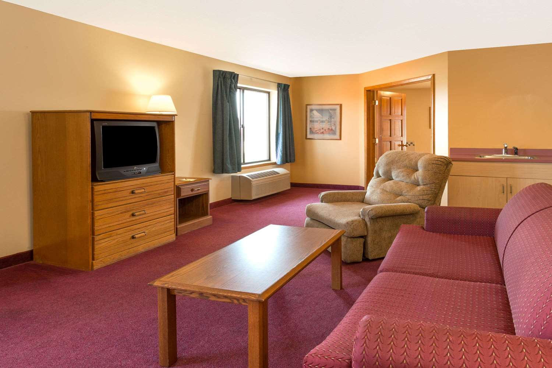Suite - Super 8 Hotel Watertown