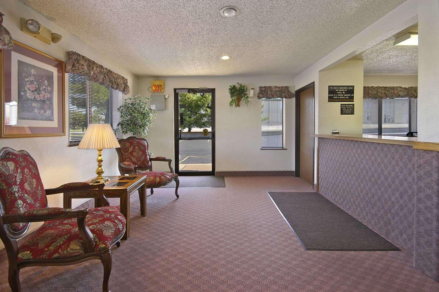 Lobby - Super 8 Hotel North I-44 Springfield