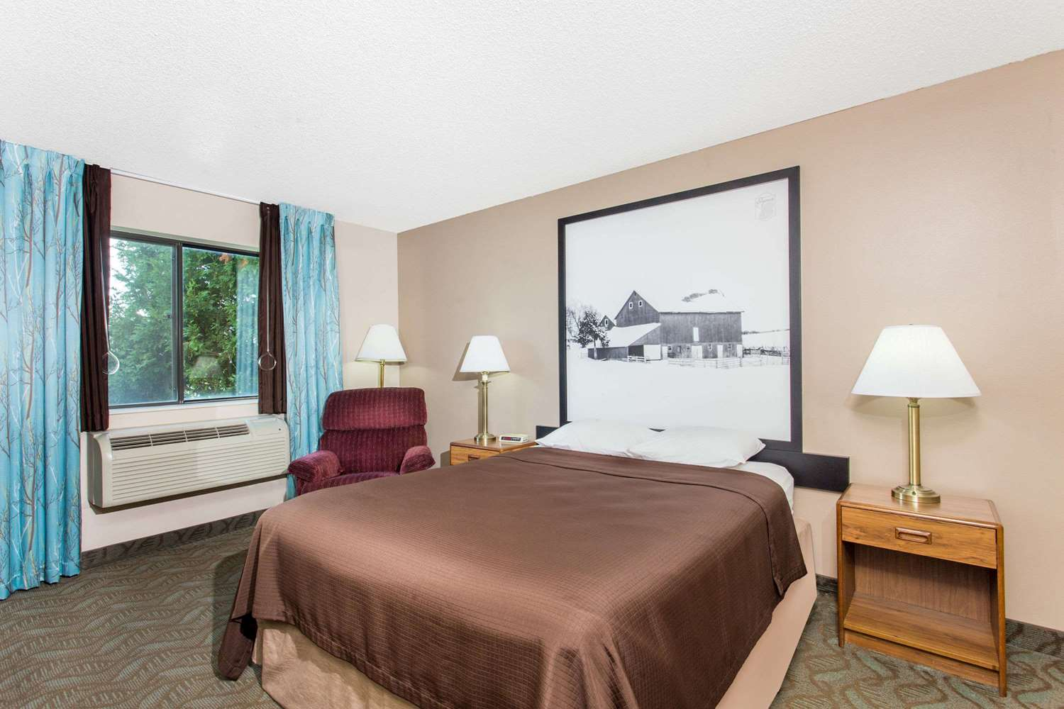 Room - Super 8 Hotel Dodgeville