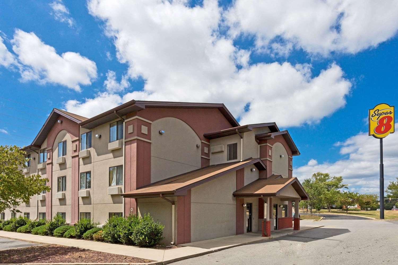 Exterior view - Super 8 Hotel Lexington Park California