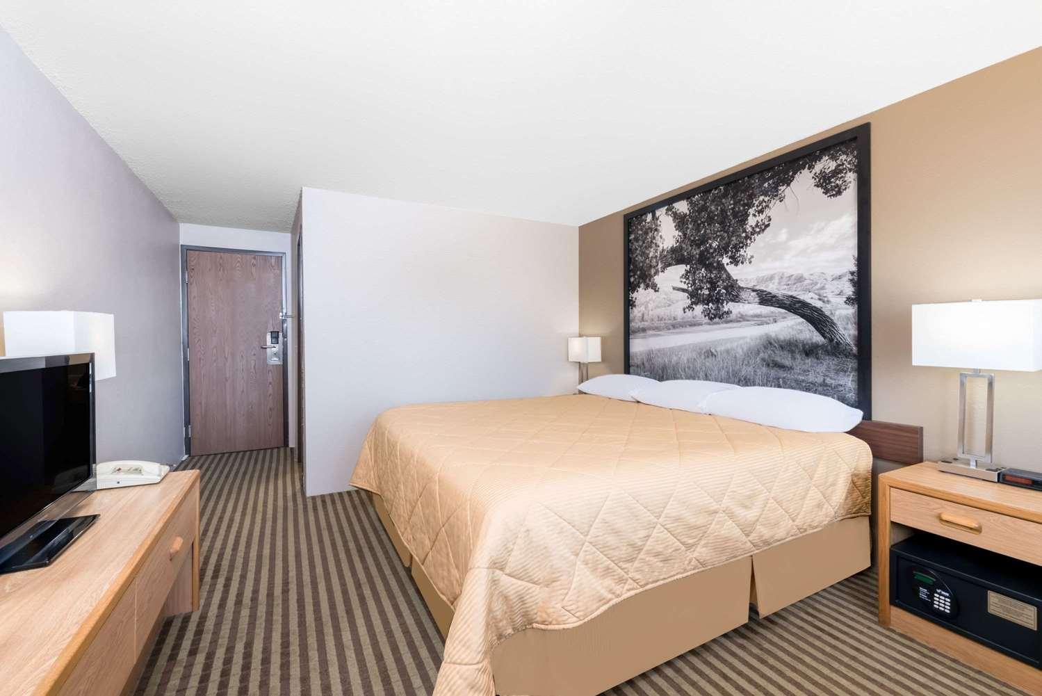 Room - Super 8 Hotel Bowman