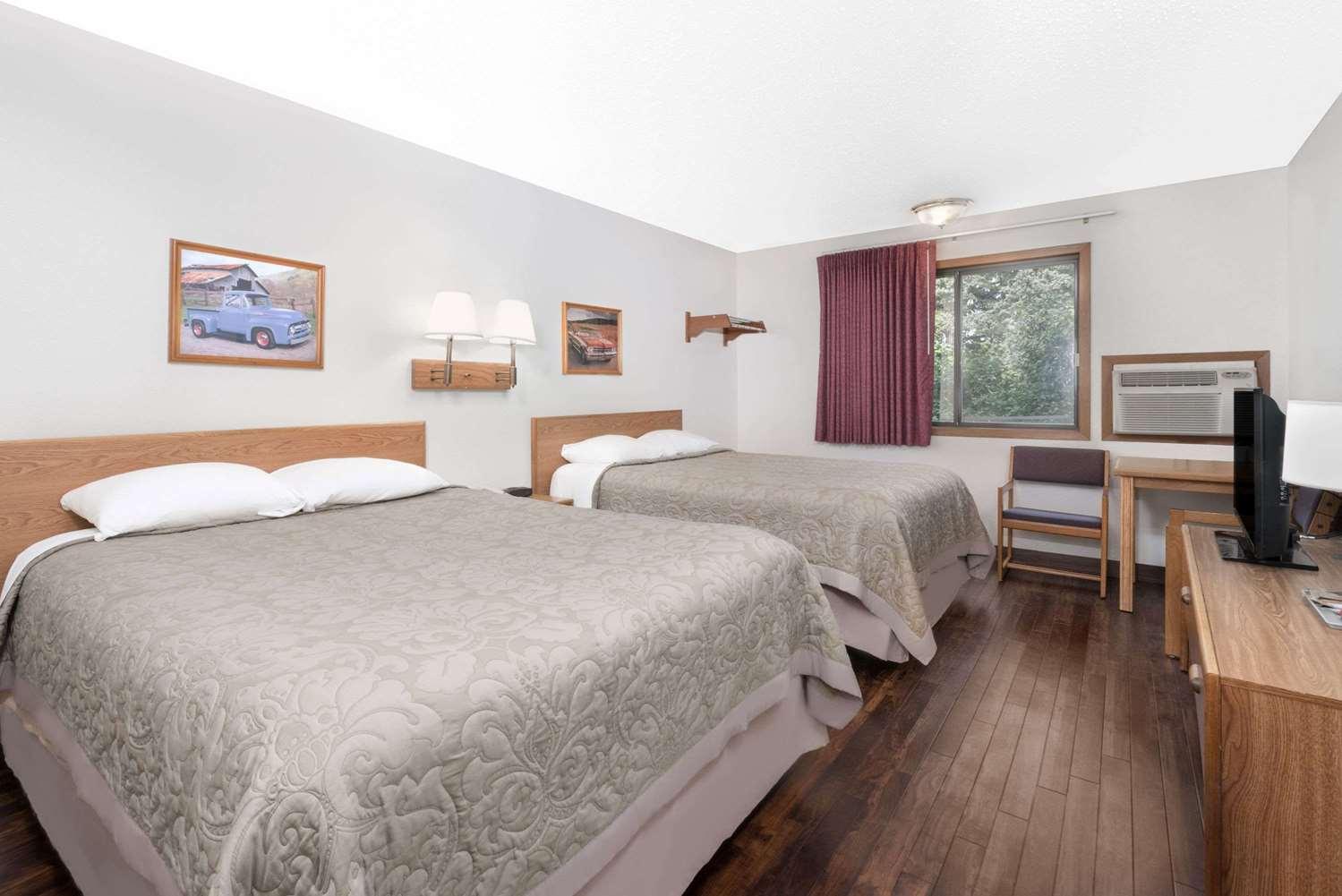 Room - Super 8 Hotel Murdo