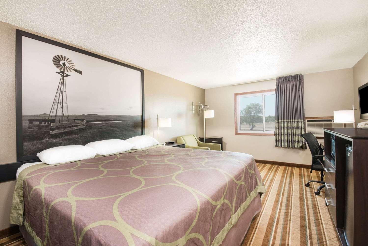 Room - Super 8 Hotel Miller
