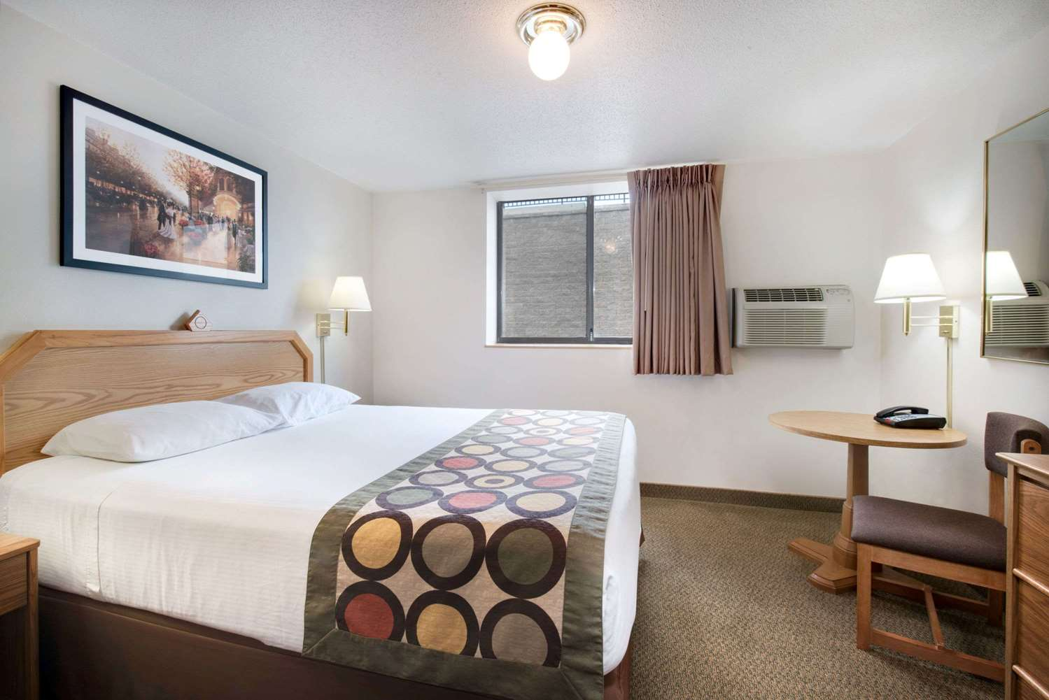 Suite - Super 8 Hotel Lacrosse Street Rapid City