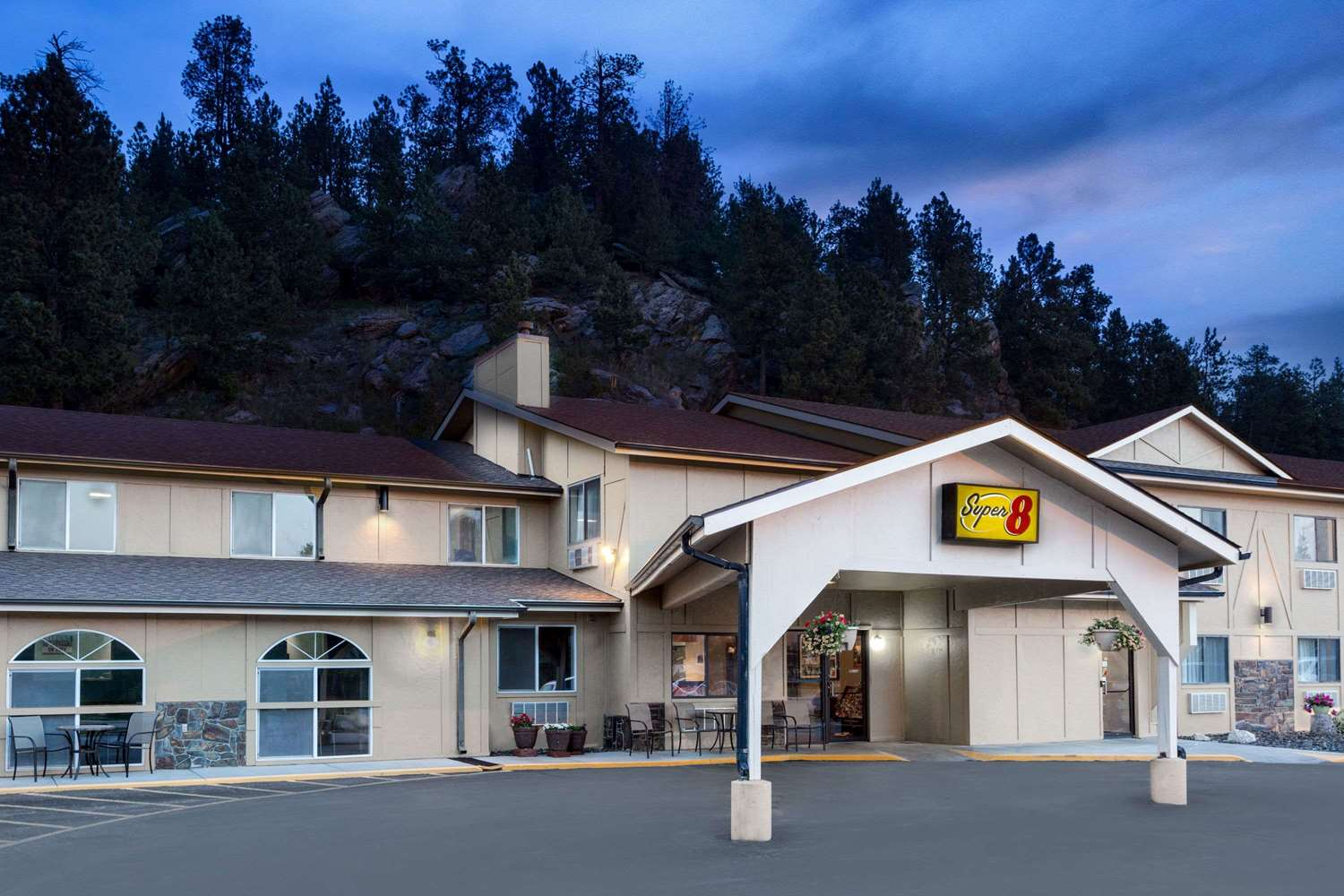 Exterior view - Super 8 Hotel Crazy Horse Area Custer