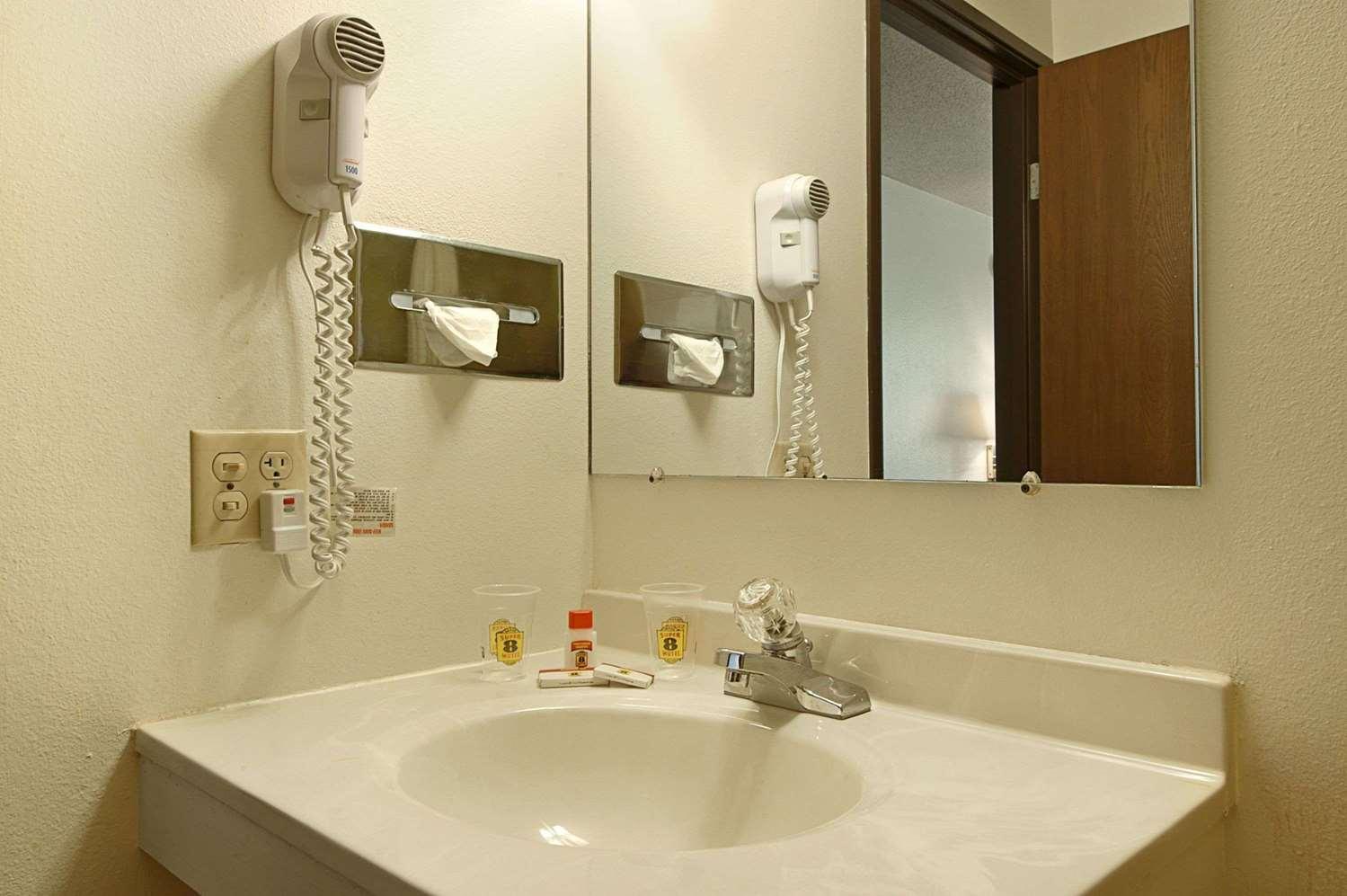 Room - Super 8 Hotel Rushmore Road Rapid City