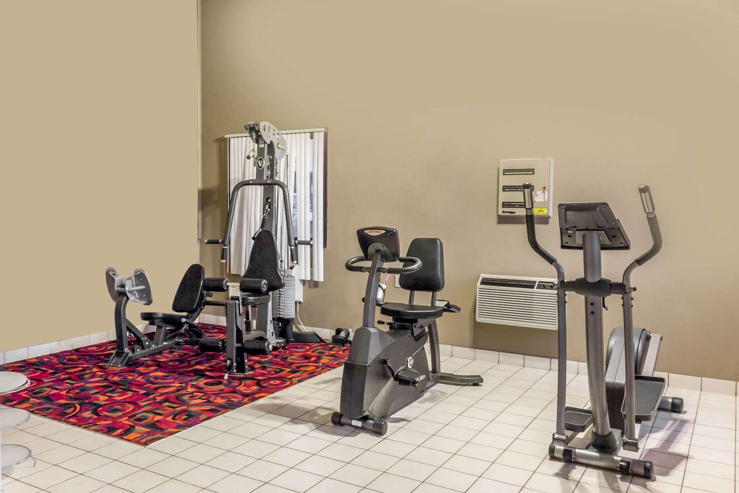 Fitness/ Exercise Room - Super 8 Hotel I-90 Sioux Falls