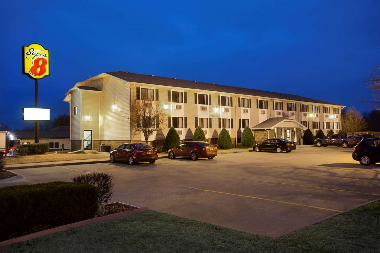 Exterior view - Super 8 Hotel Pittsburg