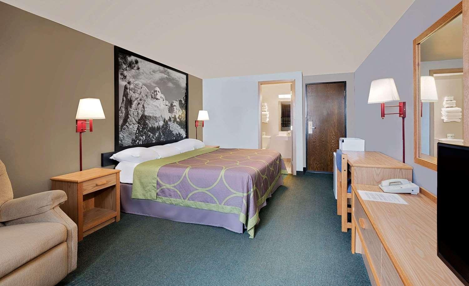 Room - Super 8 Hotel Spearfish