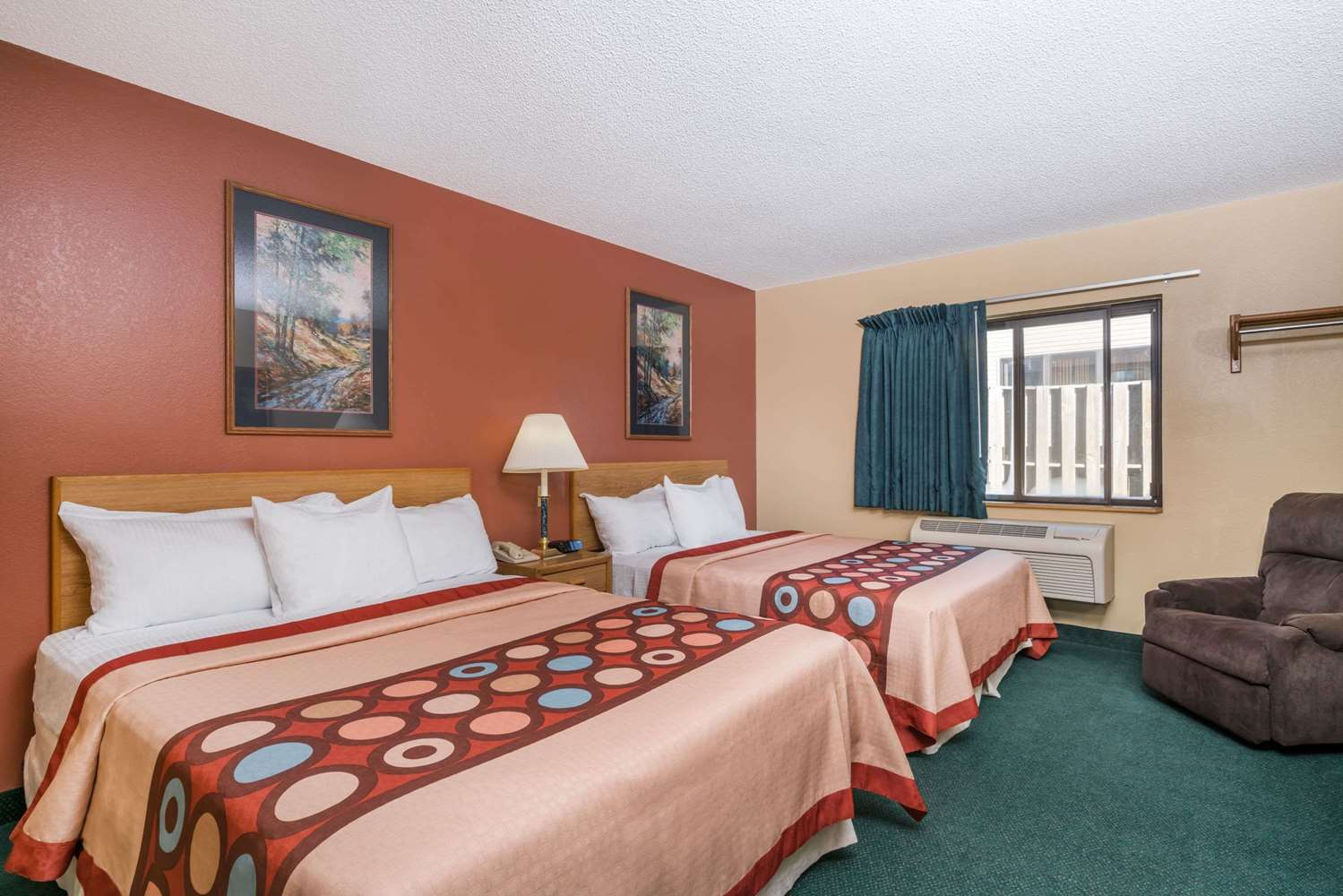 Room - Super 8 Hotel Baxter