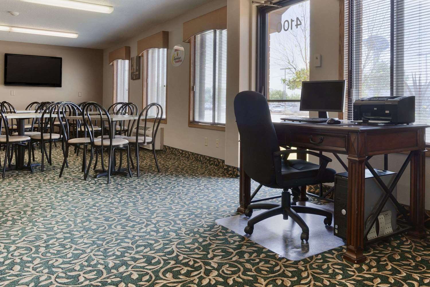 Conference Area - Super 8 Hotel 41st Street Sioux Falls
