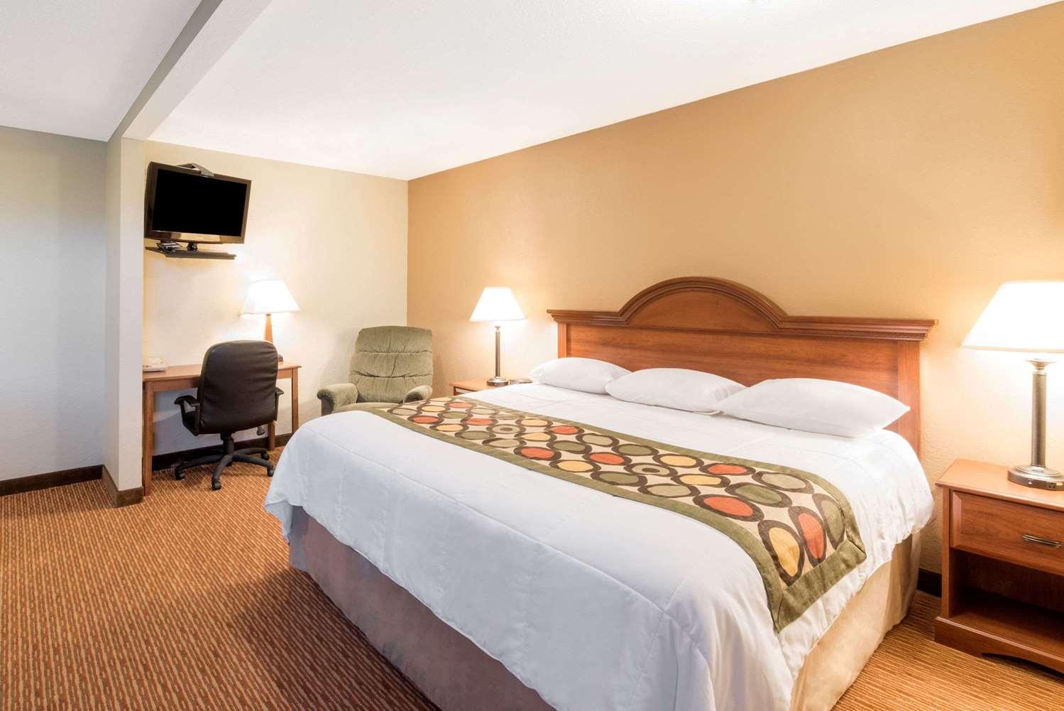 Suite - Super 8 Hotel Bemidji