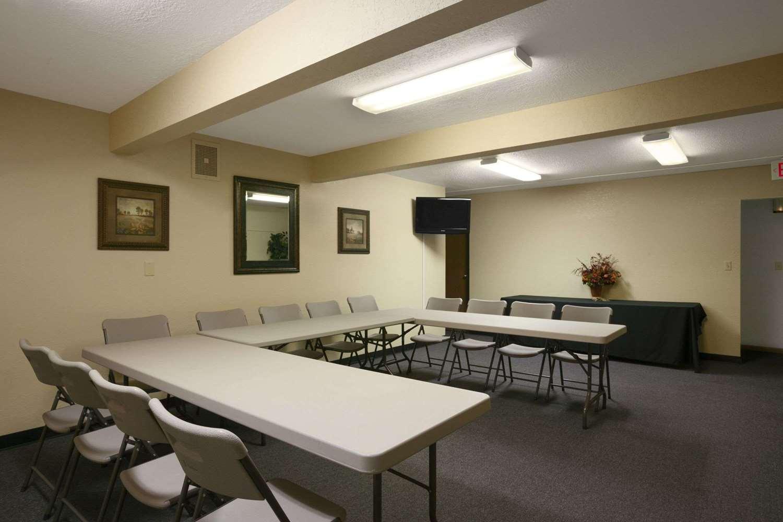 Meeting Facilities - Super 8 Hotel Alexandria