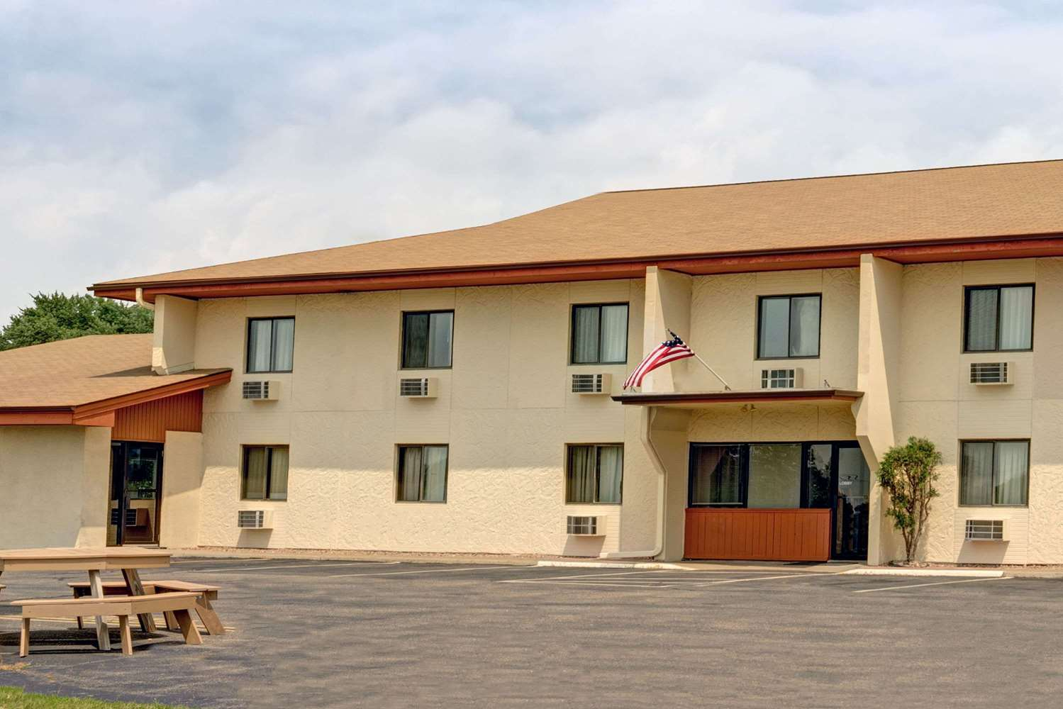 Exterior view - Super 8 Hotel Buffalo