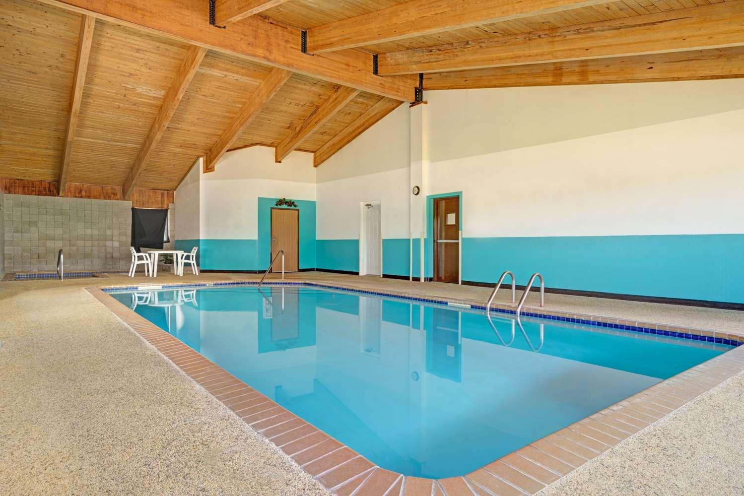 Pool - Super 8 Hotel Buffalo