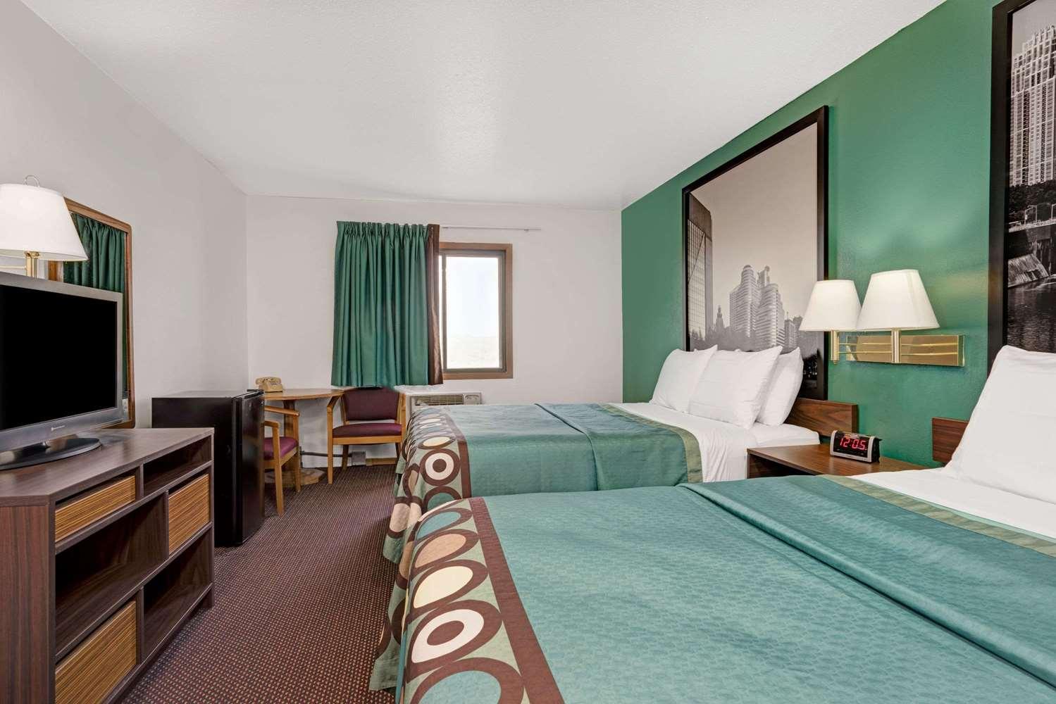 Room - Super 8 Hotel Buffalo