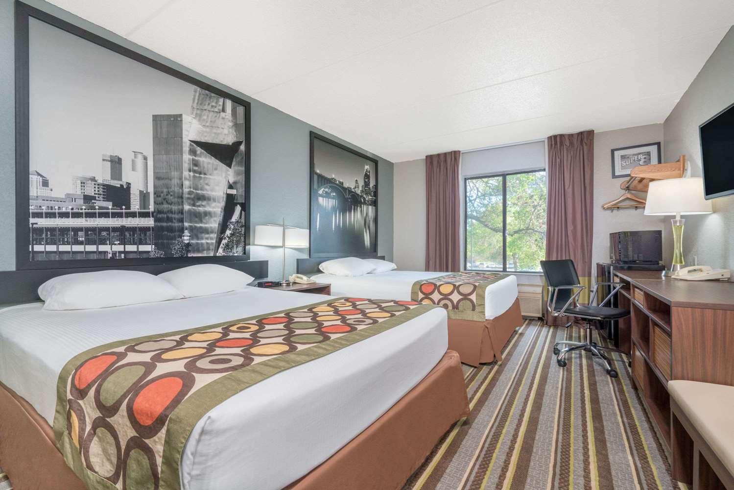 Room - Super 8 Hotel Minneapolis Airport Bloomington