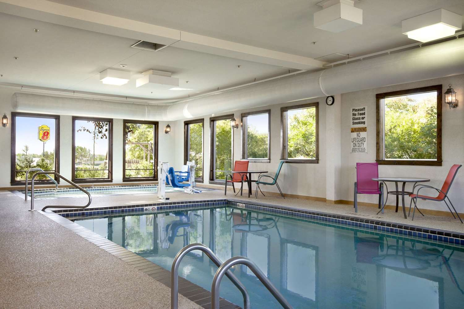Pool - Super 8 Hotel Eveleth