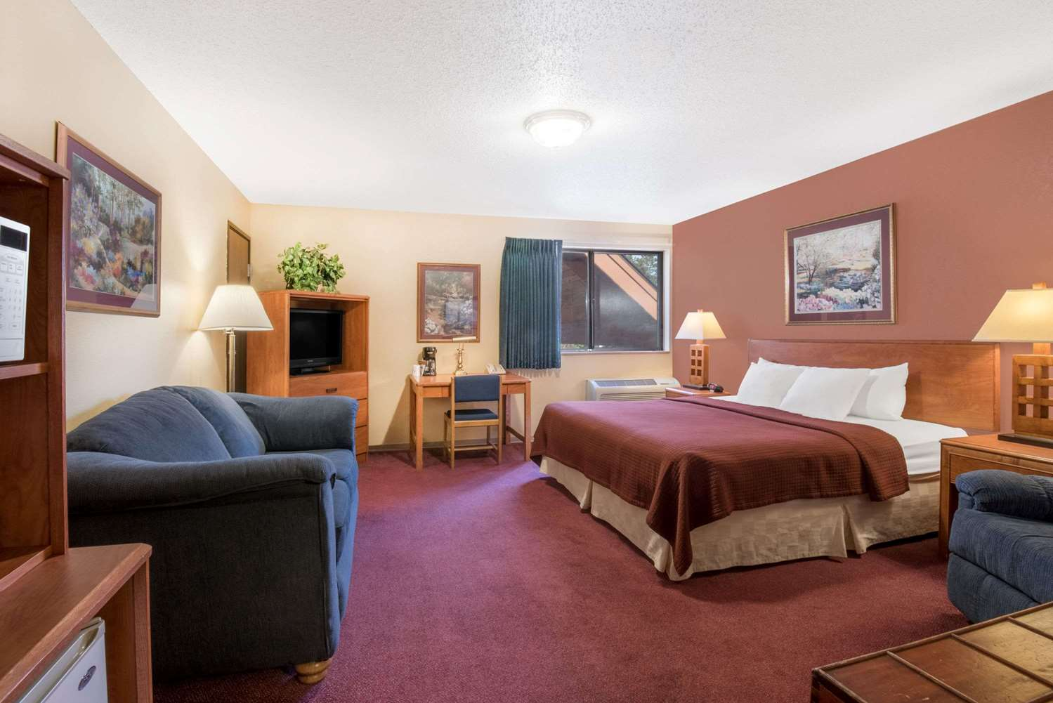 Room - Super 8 Hotel Grand Rapids