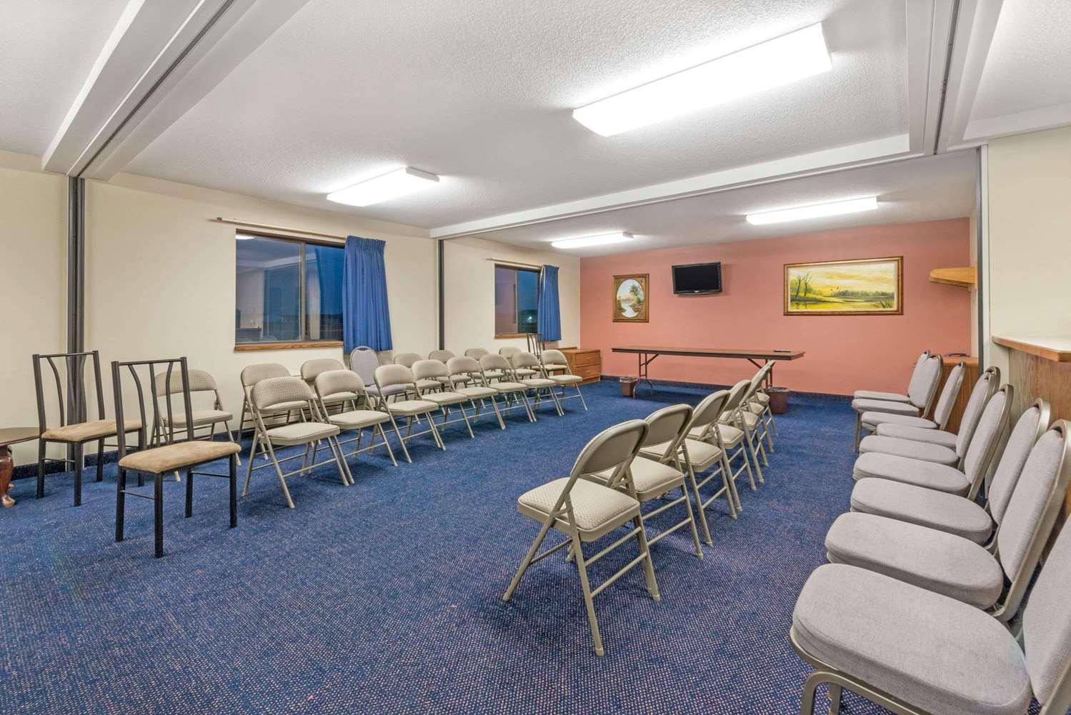 Meeting Facilities - Super 8 Hotel Perham