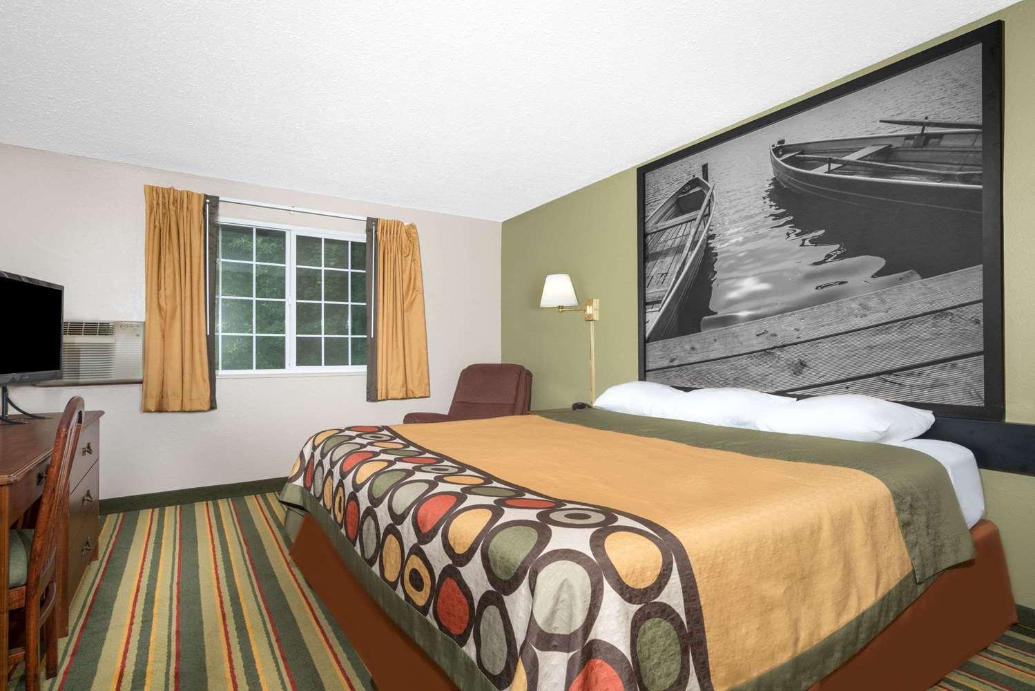 Room - Super 8 Hotel Winona