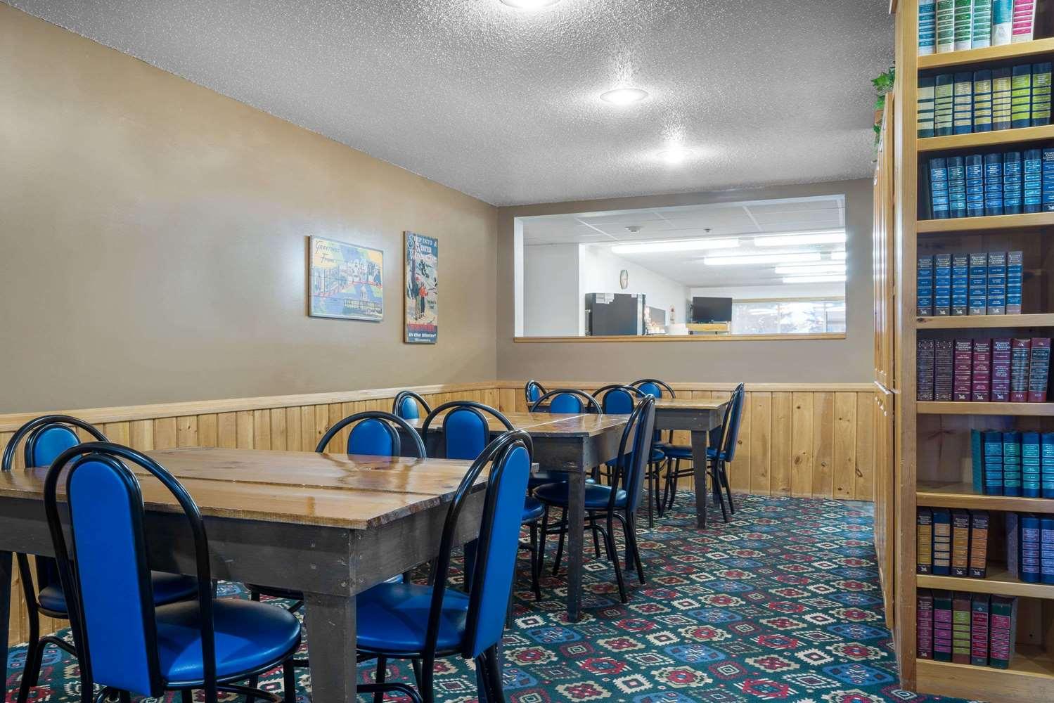 Lobby - Super 8 Hotel Park Rapids