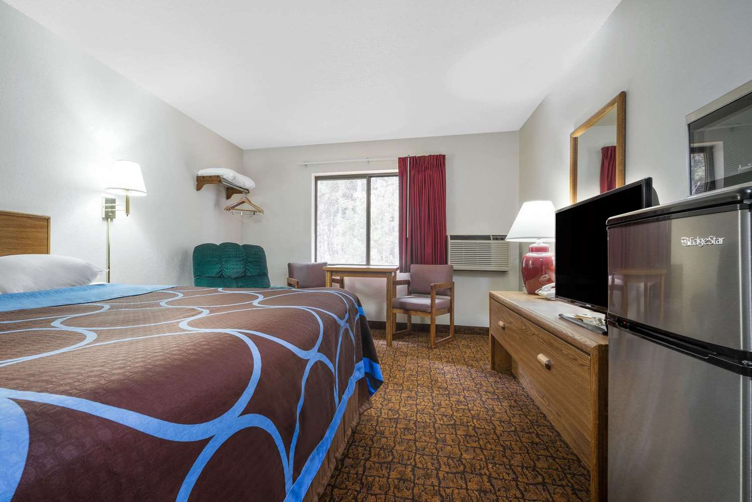 Room - Super 8 Hotel Park Rapids