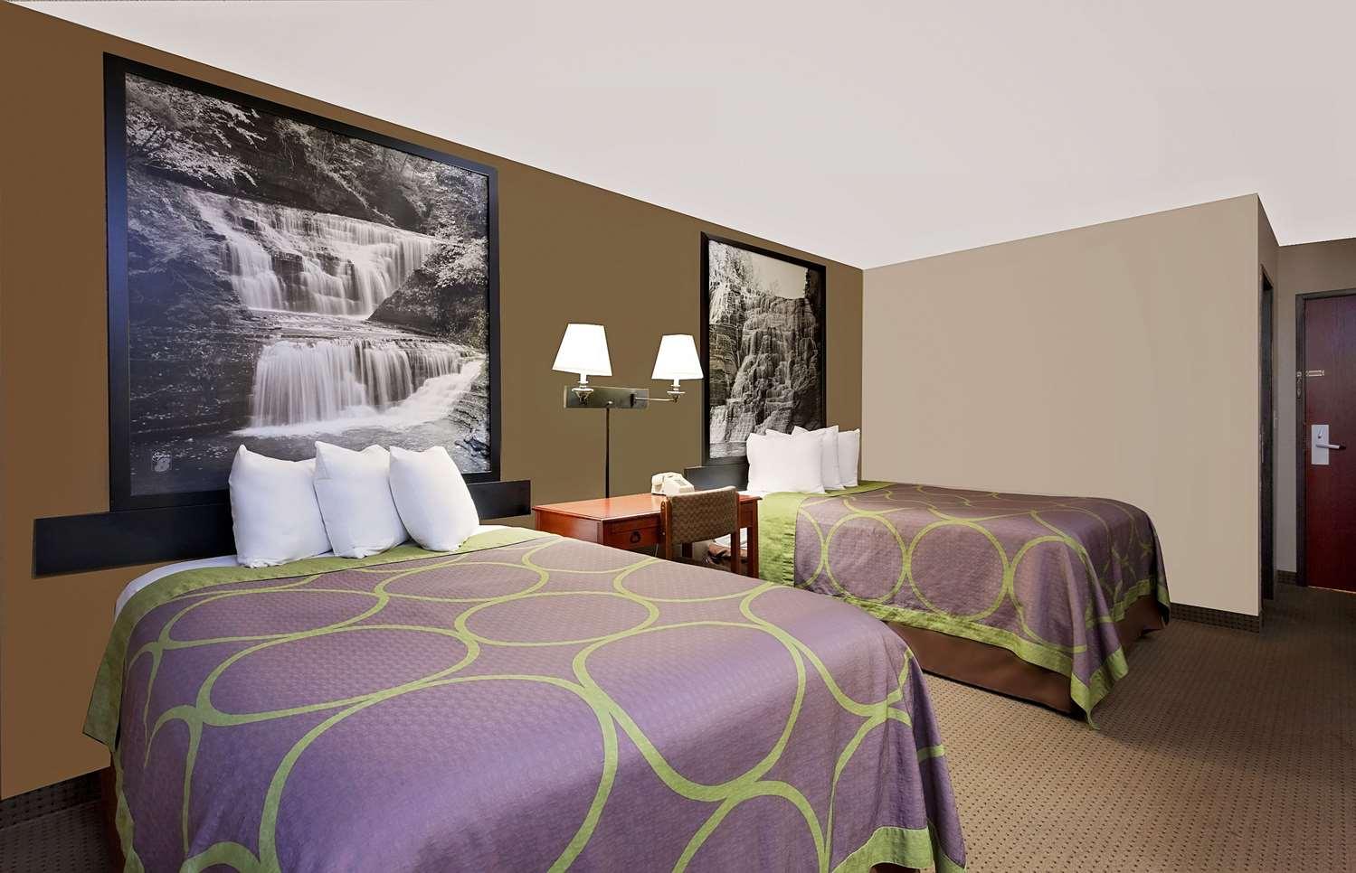 Room - Super 8 Hotel Ithaca
