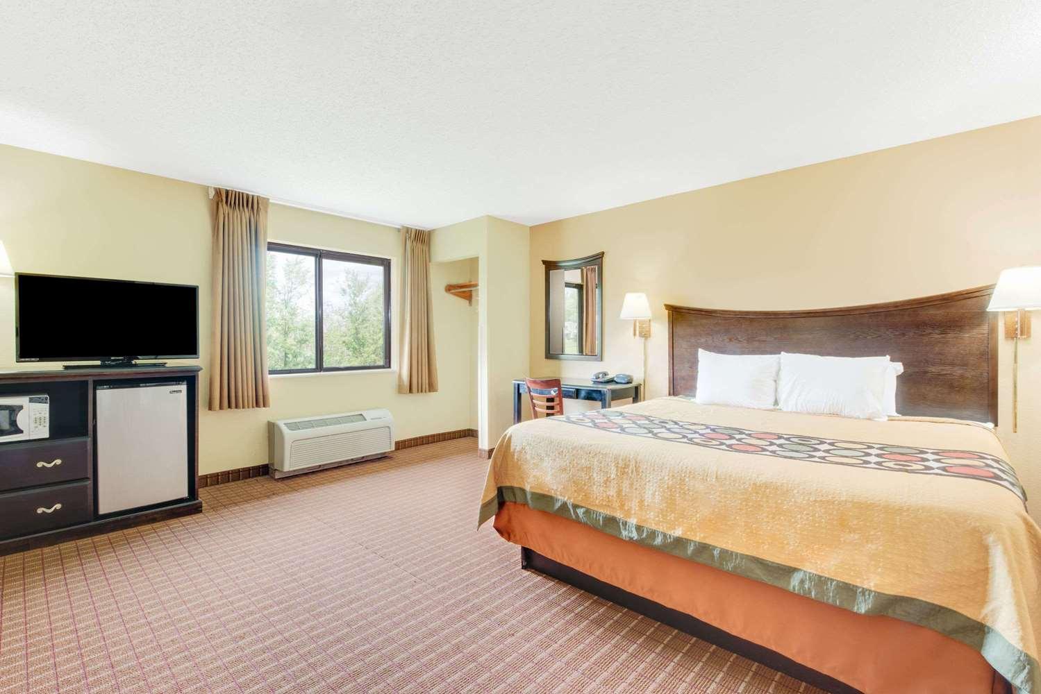 Room - Super 8 Hotel Kutztown