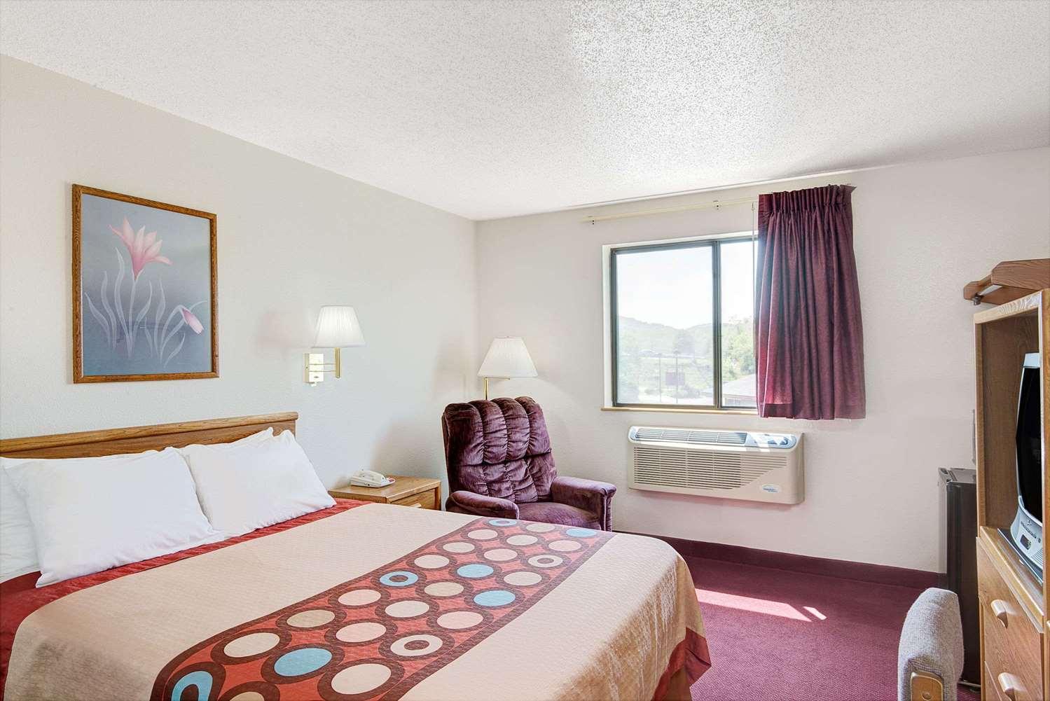 Room - Super 8 Hotel Waynesburg