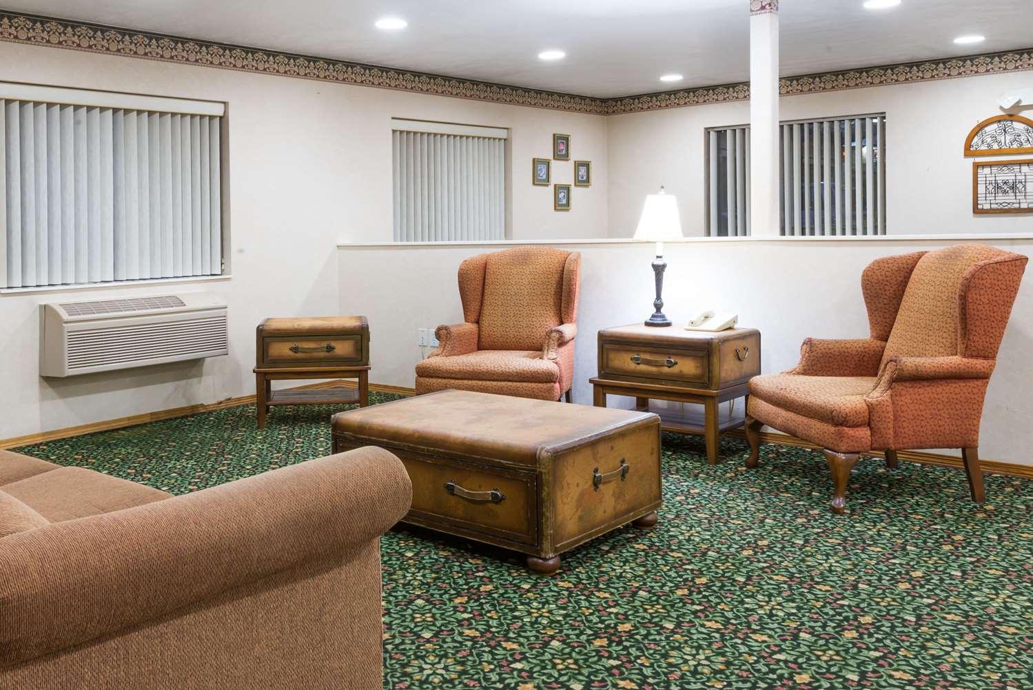 Lobby - Super 8 Hotel New Stanton