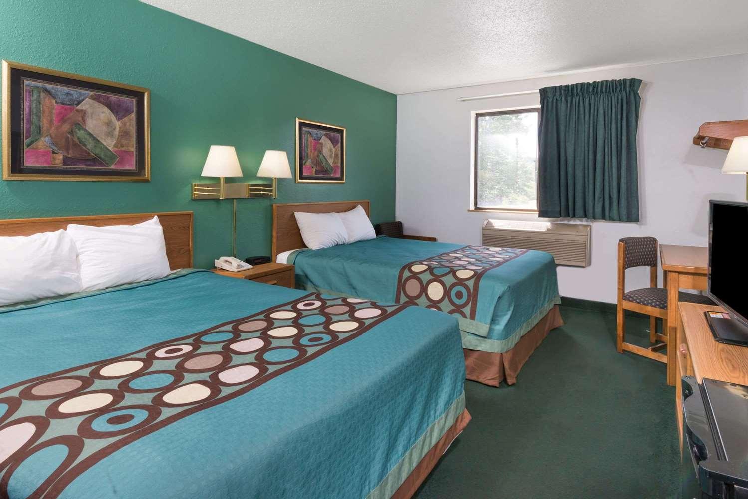 Room - Super 8 Hotel New Stanton