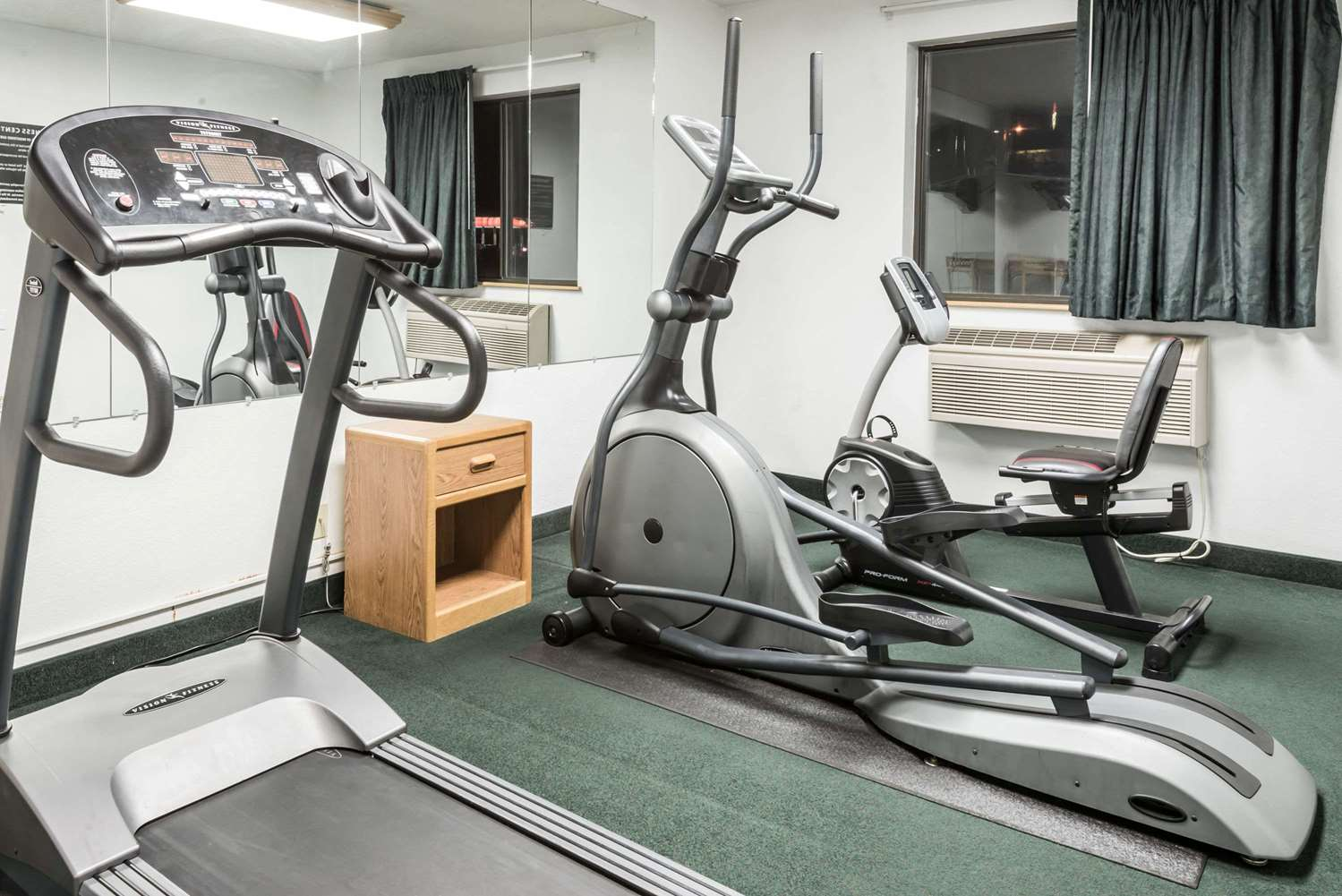 Fitness/ Exercise Room - Super 8 Hotel New Stanton