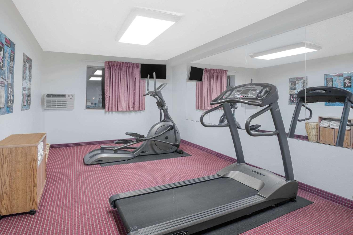 Fitness/ Exercise Room - Super 8 Hotel Altoona