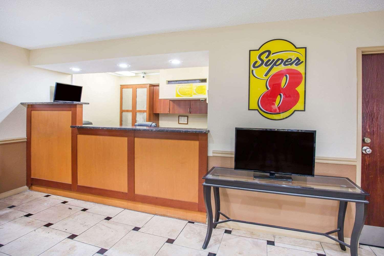 Lobby - Super 8 Hotel Harrisonburg
