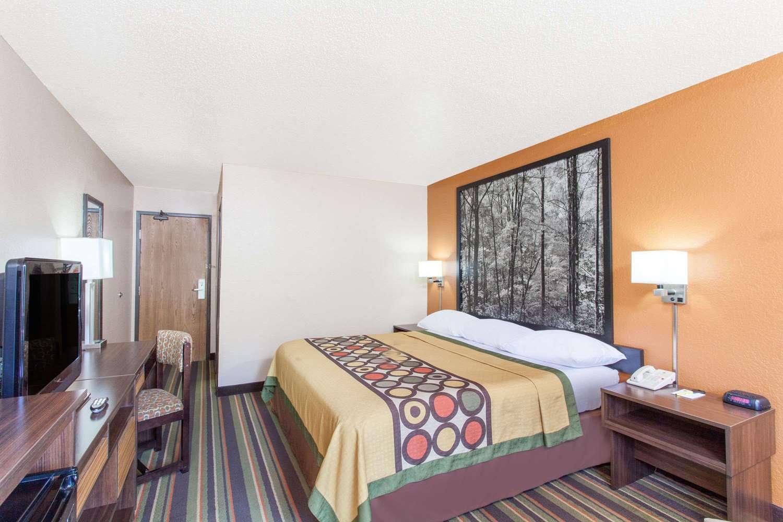 Room - Super 8 Hotel Norton