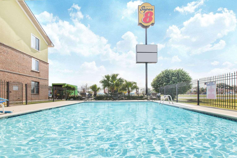 Pool - Super 8 Hotel Lafayette