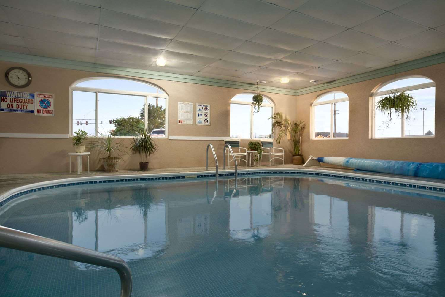 Pool - Super 8 Hotel Scottsbluff
