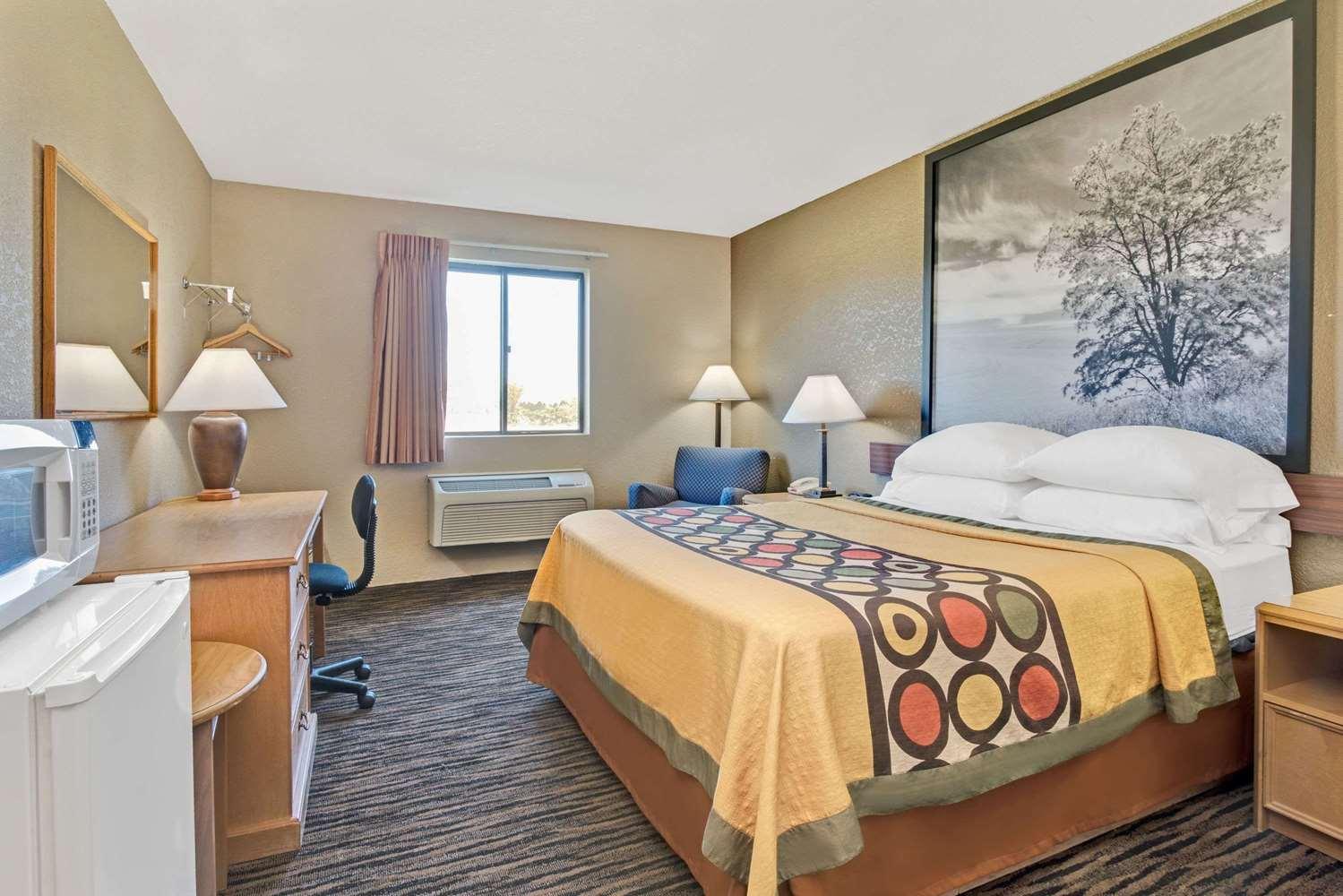 super 8 hotel west spokane wa see discounts. Black Bedroom Furniture Sets. Home Design Ideas