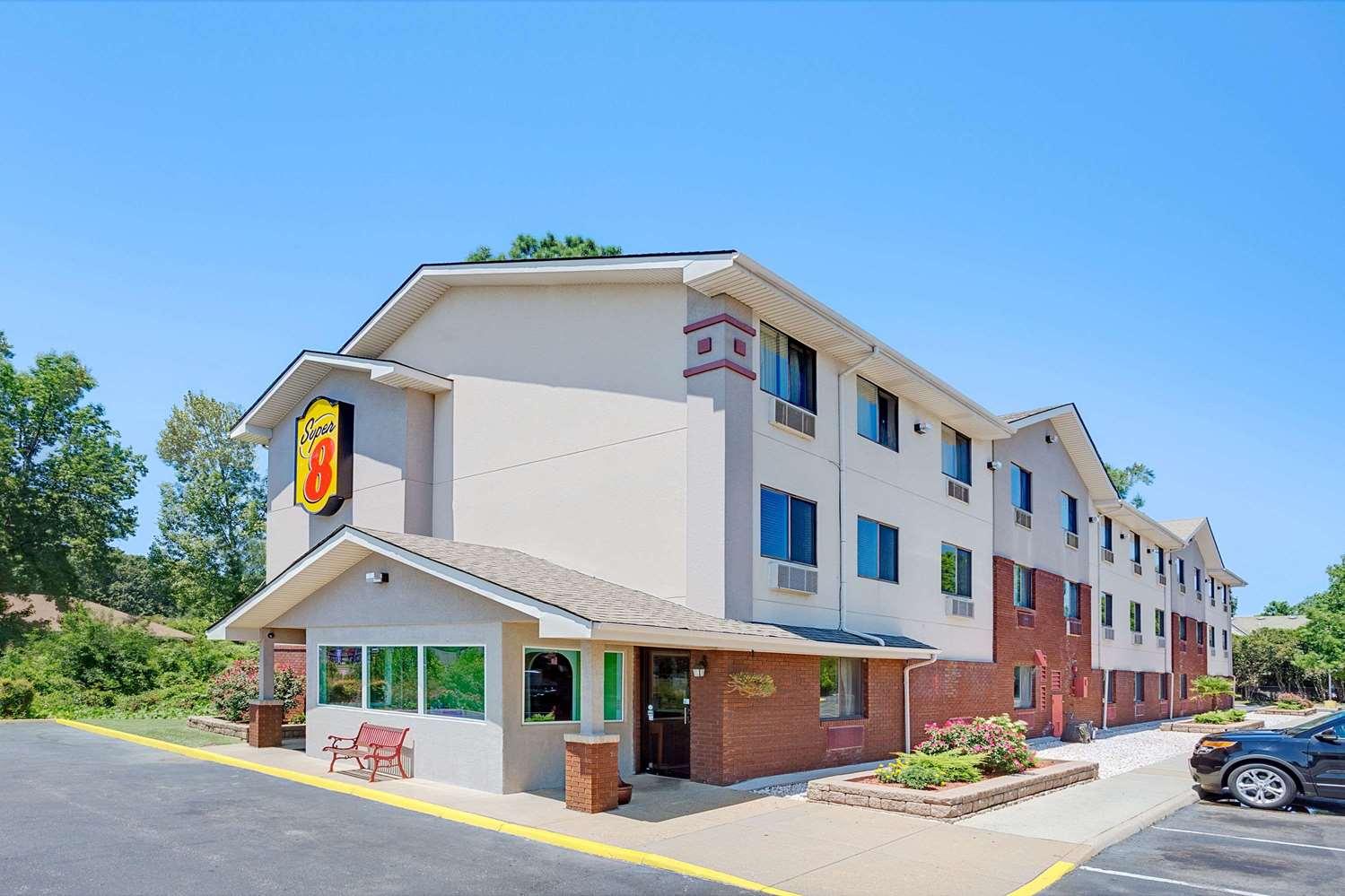 Exterior view - Super 8 Hotel Churchland Chesapeake