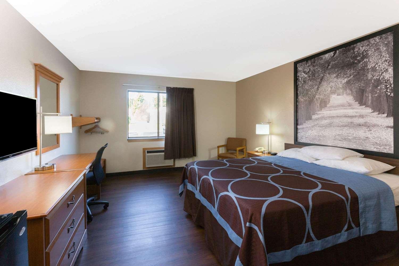 Room - Super 8 Hotel Fort Knox Area Radcliff