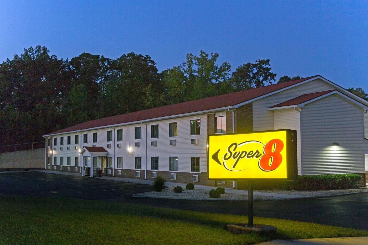 Exterior view - Super 8 Hotel Fort Knox Area Radcliff