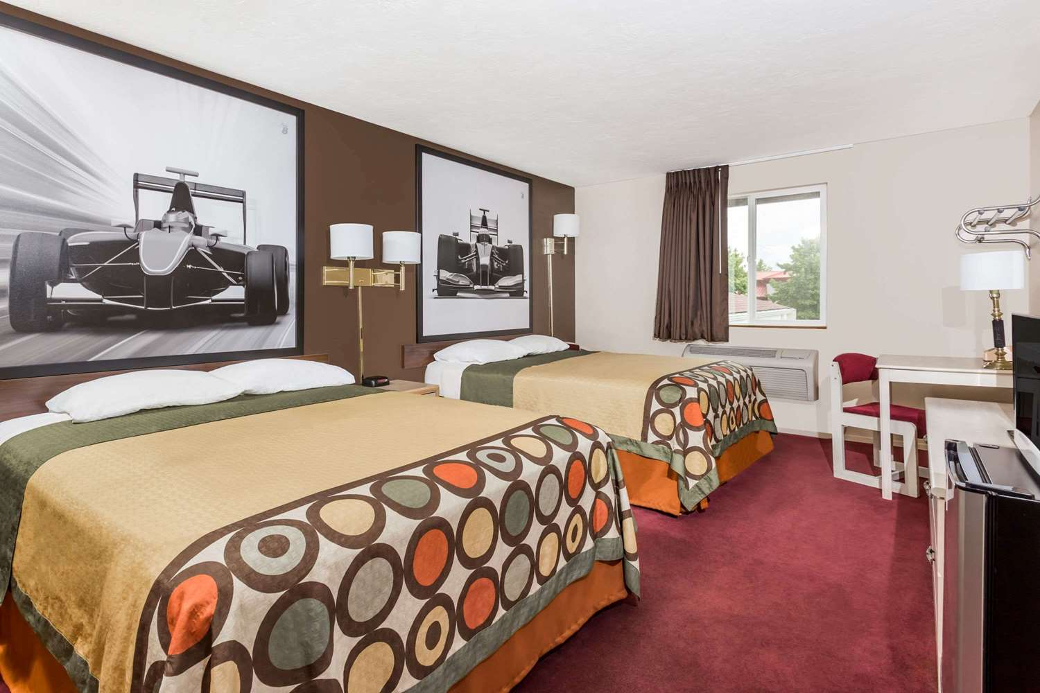 Room - Super 8 Hotel Shelton