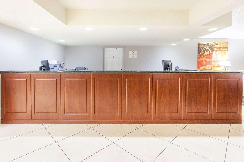 Lobby - Super 8 Hotel West Monroe