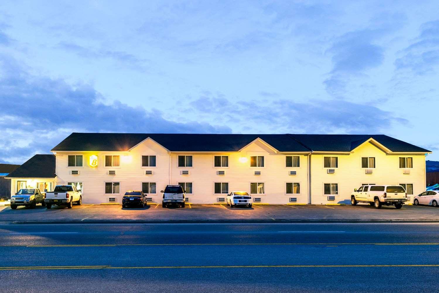 Exterior view - Super 8 Hotel Sheridan